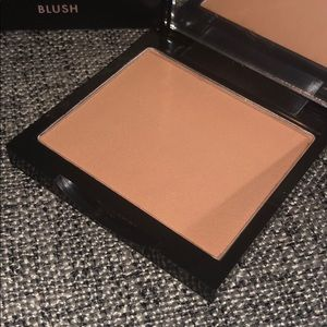 5/$25 Lovecraft Beauty Blush in- Dauphine